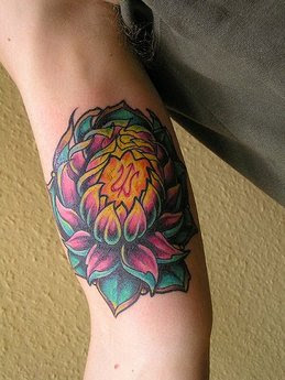 Cool Flower Lotus Tattoos Ideas For Women Picture 4