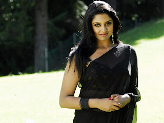 Black+saree+vimala