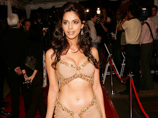 bollywood+mallika+boob