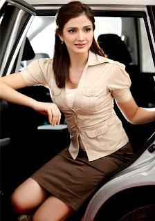 Actress-Navina