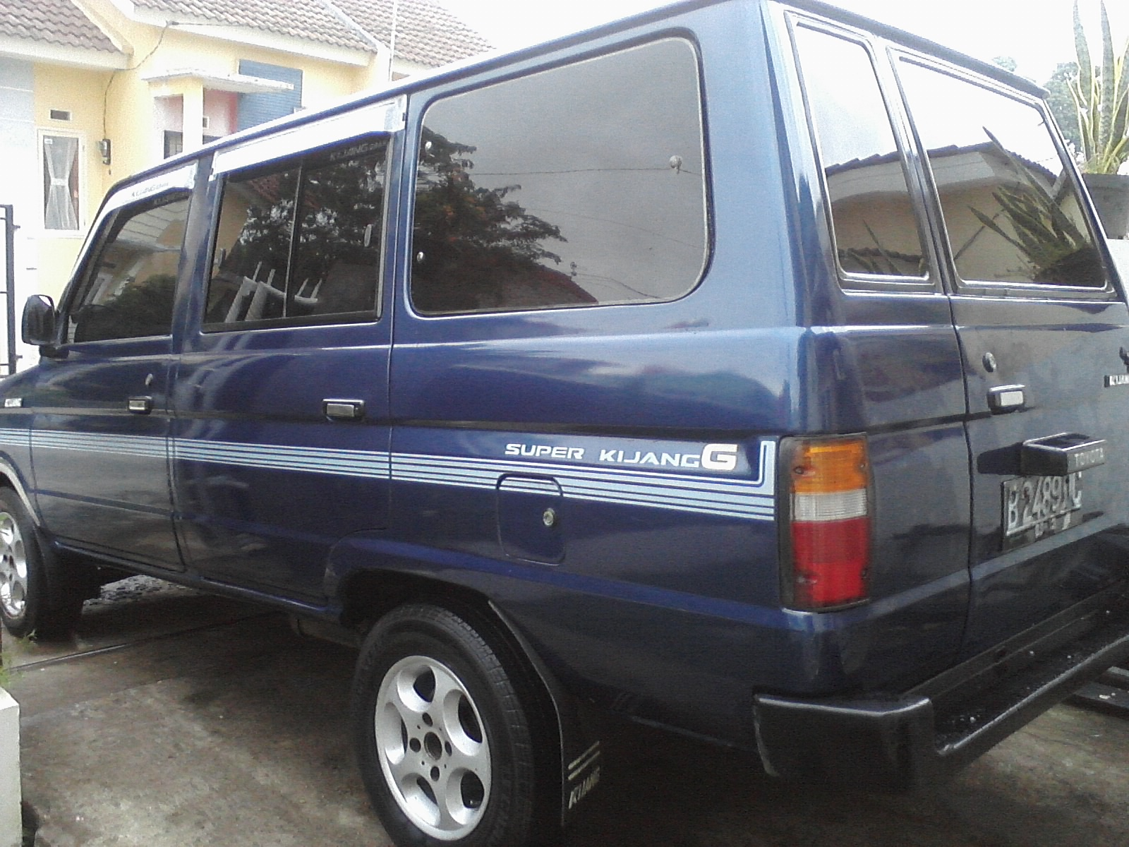 toyota super kijang g long tahun 1994 1995 warna biru metalik