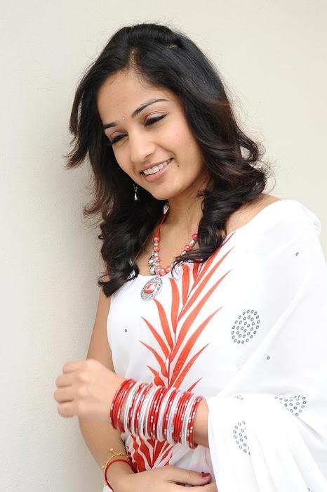 tollywood madhavi latha nachavule fame glamour  images