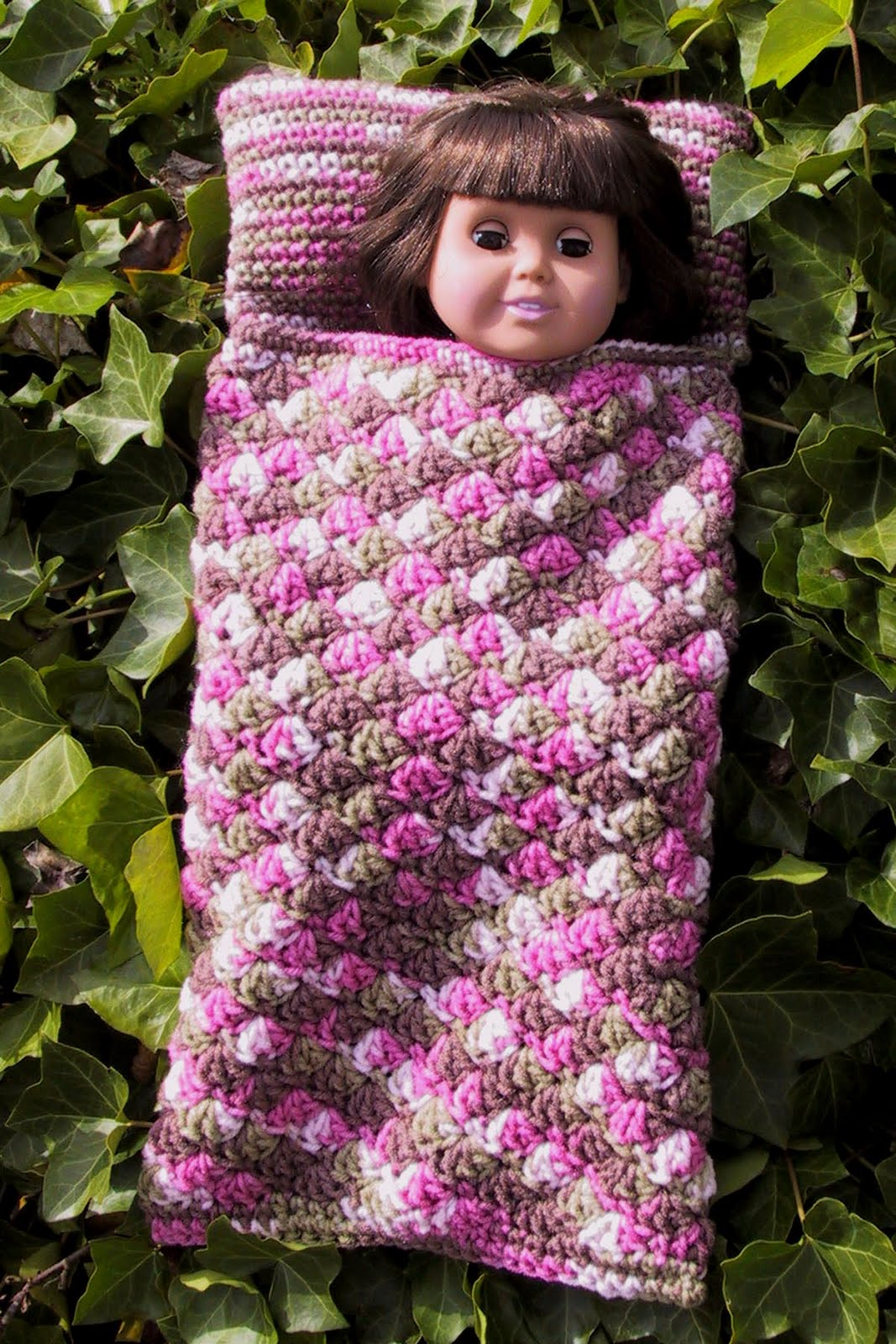 Free Crochet Pattern For American Girl Sleeping Bag : Suzies Stuff: AG DOLL SLEEPING BAG