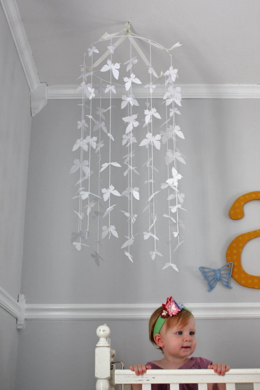 All in one days time butterfly mobile - Habitacion nina 2 anos ...