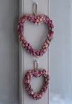 Corazón de pequeñas rosas