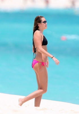 Miley Cyrus in Bikini at a Beach in the Bahamas sexy pictures