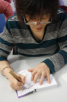 Izumi Matsumoto firma autógrafo en el Salón del manga Barcelona 2010
