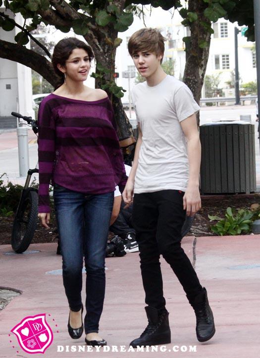 justin bieber e selena gomez namorando. namorando Selena Gomez.