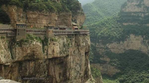 Висячие монастыри