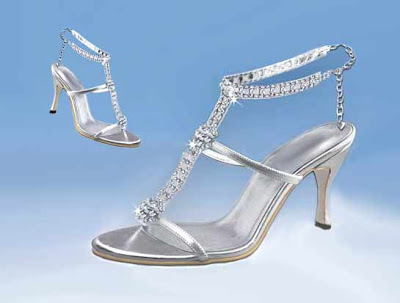 A Chic Swarovsky Crystal Wedding Shoes