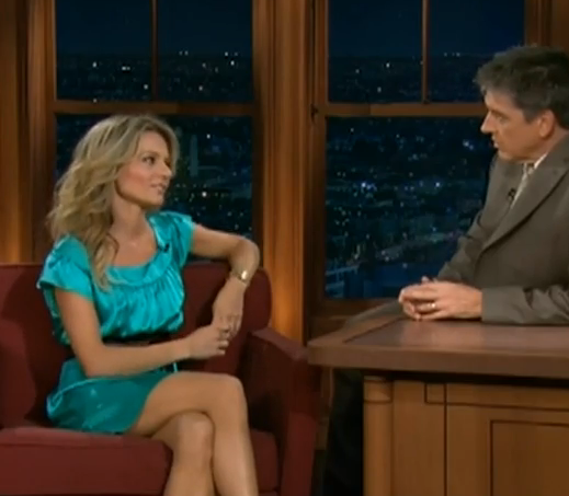 'Glee' Jessalyn Gilsig On Late Late Show W/ Craig Ferguson 10-30-09