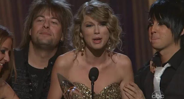43rd CMA Entertainer of the year Taylor Swift