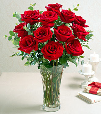 Red-Roses Centerpiece Photo