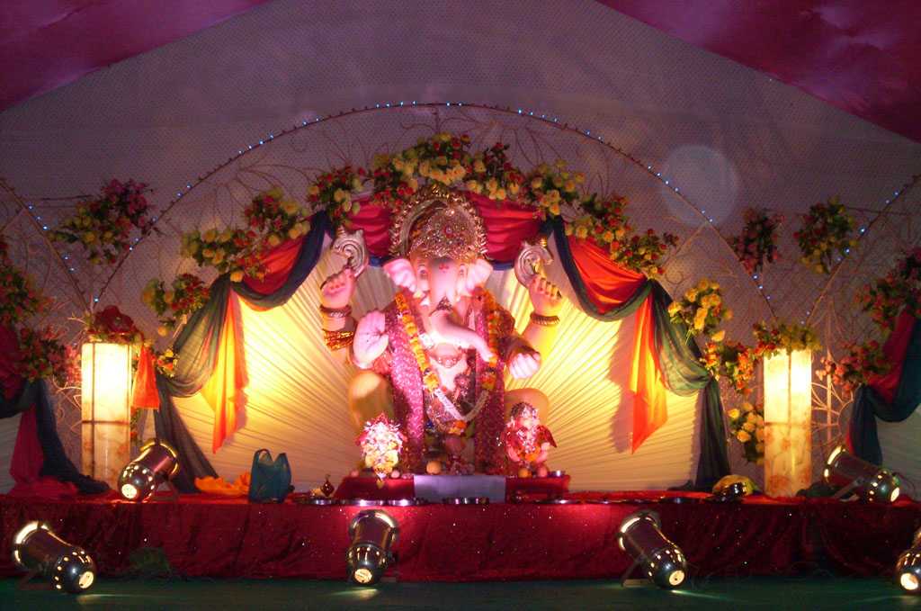 Ganesh Chaturthi Decoration Ideas at Home