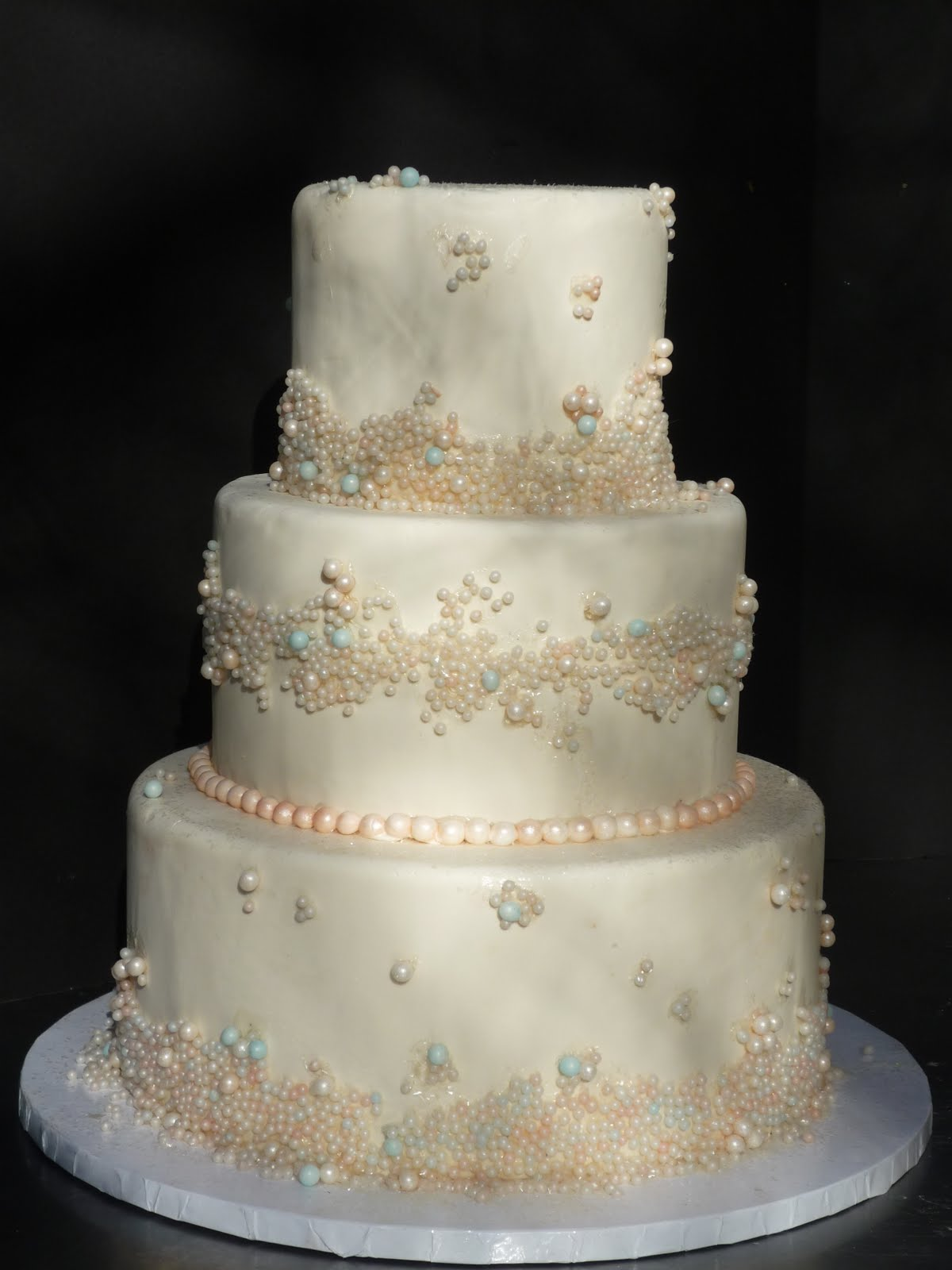 Artisan Bake Shop: Wedding Cake: Fondant Tiers with Pearls
