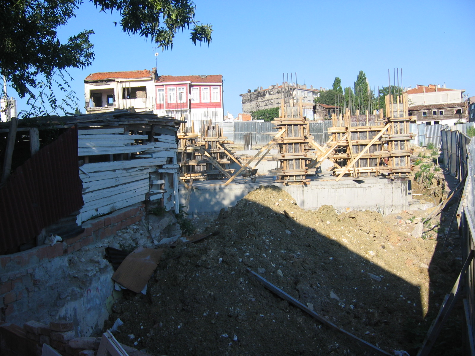 an argument against the urban transformation project in sulukule turkey