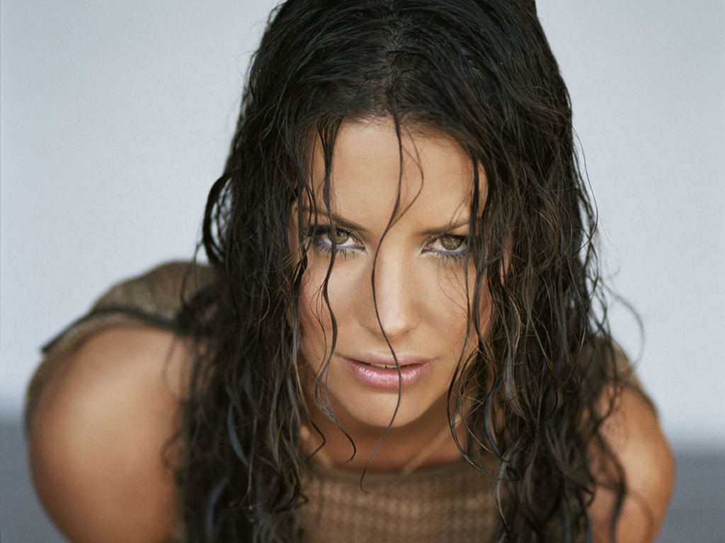 Evangeline Lilly - Wallpaper Hot