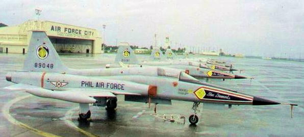 Air Force One Philippines KTV http://strongphil.blogspot.com/2010/12/philippine-airforce-f-5-on-clark.html