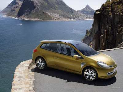 CLIO GRAND TOUR CONCEPT AN ALLURING, PRACTICAL AND DYNAMIC ESTATE. Renault