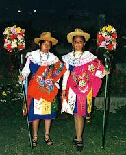 """Las Tataranietas de Doña Mercedes Porras Ysla creadora y fundadora  de """"Las Pastoras de Huañec"""""""