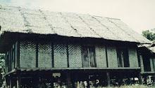 RUMAH PANJANG di kampung kodiang lama. dindingnya diperbuat daripada pelupuh