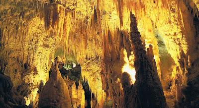 Die deel van die caves waar ons kon loop, laat my baie aan die kango