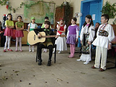 """""""Greierele și furnica"""" - clasa III (Înv. Melania Dinu) - 8 Martie 2010"""