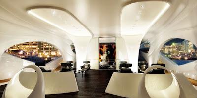 Oculus Yacht interior picture