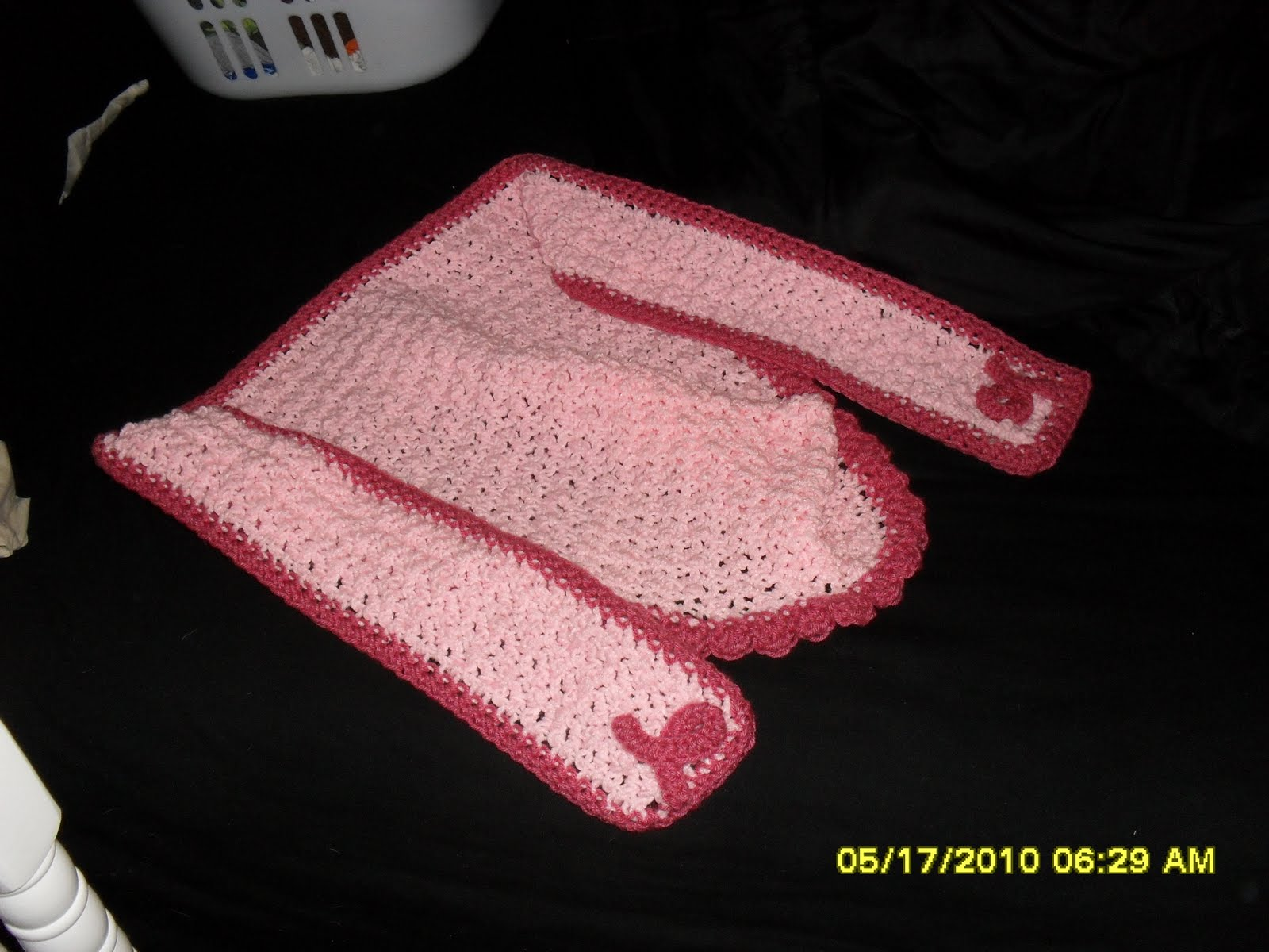 Annabell\'s Creations: A breast cancer awareness hooded scarf I made