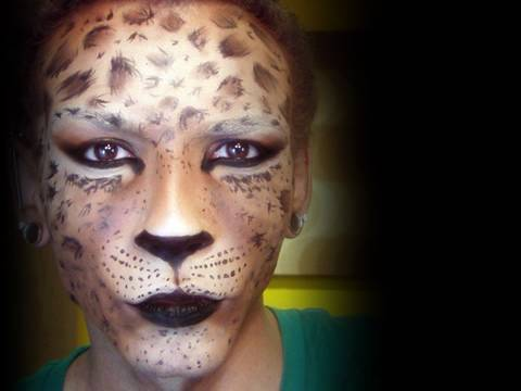 Cheetah Costume Makeup http://loremipsumgn.blogspot.com/2010/10/7-freaky-halloween-makeup-ideas.html
