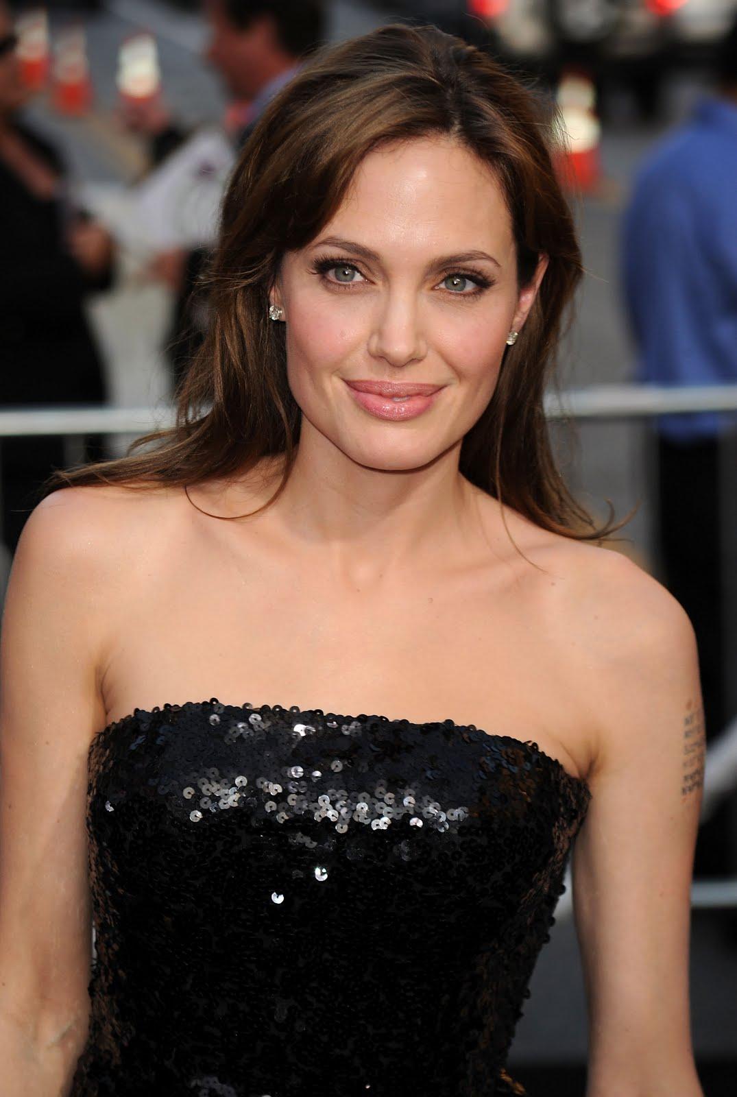 10 Most Attractive Female Celebrities in the USA  Wonderslist