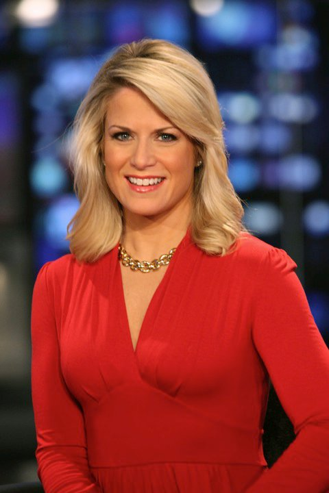 Martha MacCallum Pictures http://www.legcross.com/2010/09/you-cant-get-enough-of-sexy-anchor-babe.html