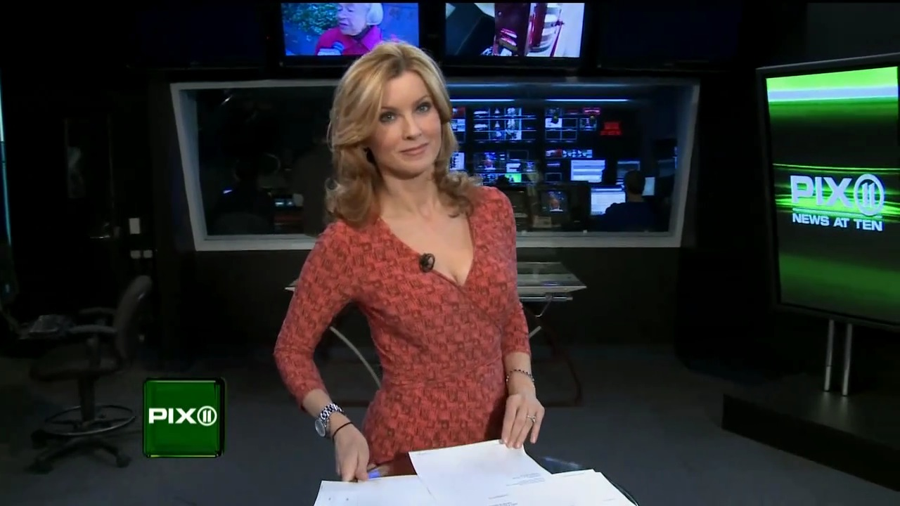 Jodi Applegate Legs http://www.legcross.com/2010/12/jodi-applegate-on-screen.html