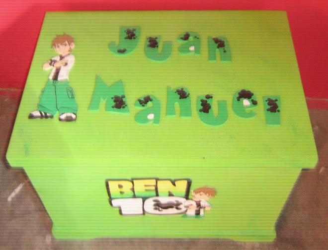 CAJA DE JUGUETES DE BEN 10