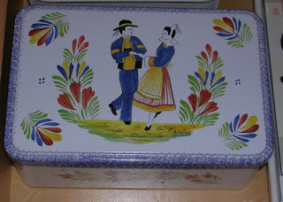 cookie tin from France