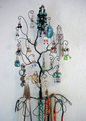 wire jewelry tree,