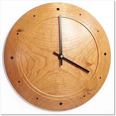 round wood clock