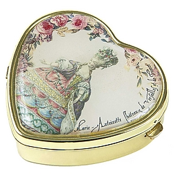 Marie-Antoinette heart shaped box