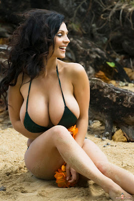 What Happened to Denise Milani http://bannedallstars.net/forums/hoes-t276-110.html