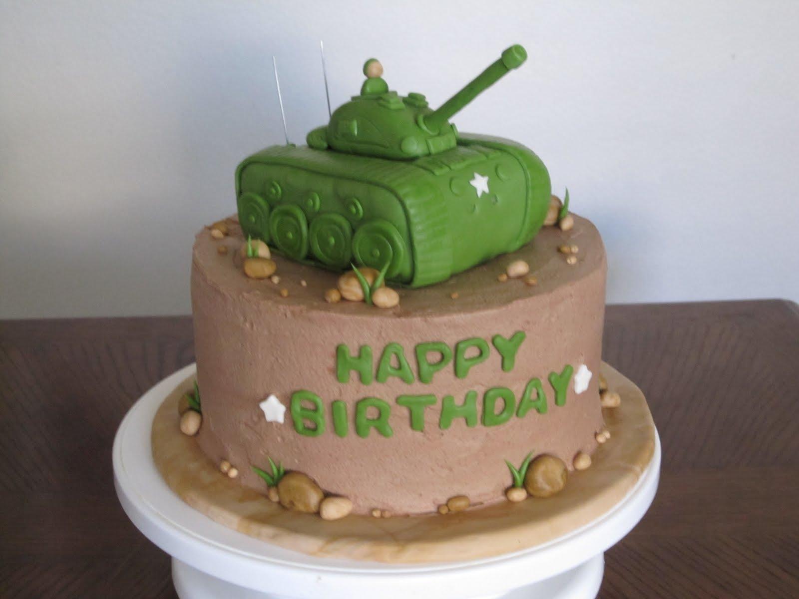Joyeux anniversaire à notre GRENOUILLE et à Alain du 54 Tank+Cake