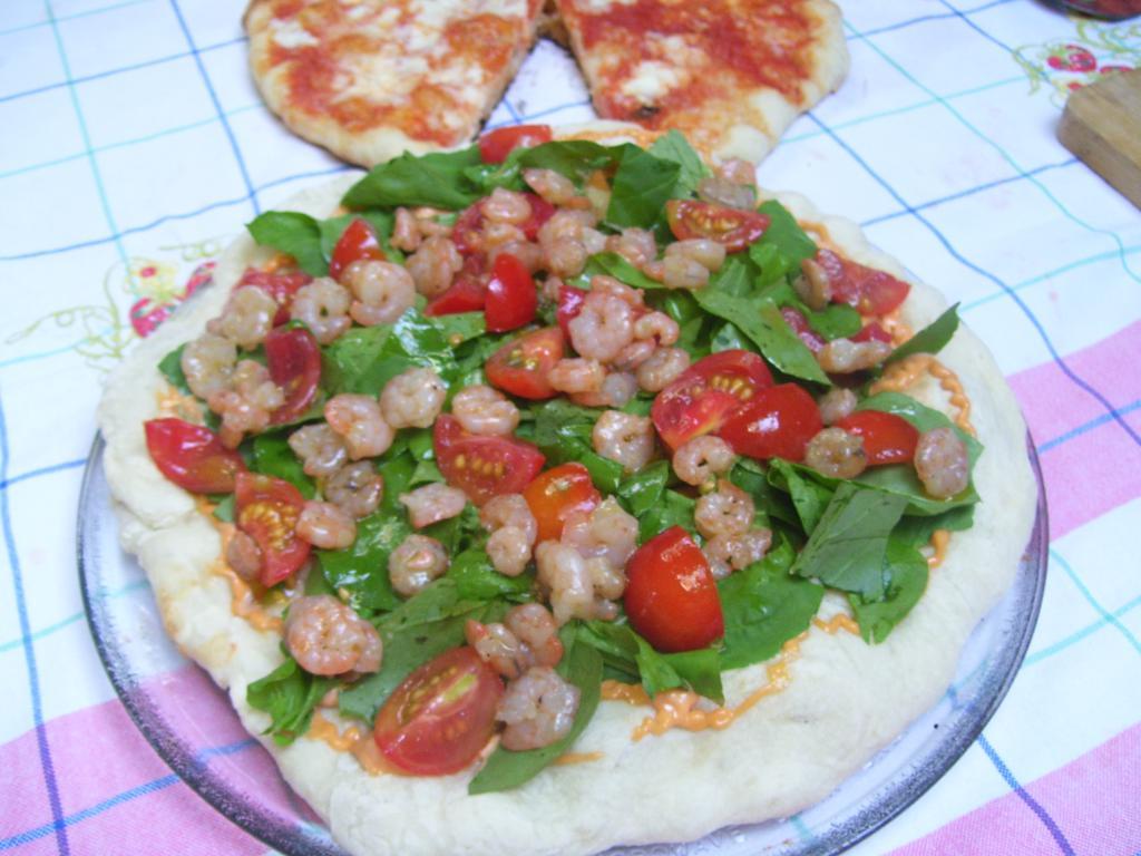 Pizza gamberetti e zucchine