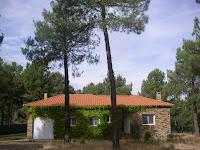 frontal casa con parcela