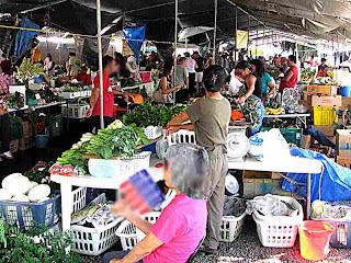 Hilo Farmers Market - (c) David Ocker