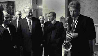 Bill Clinton plays Saxophone to Boris Yeltsin