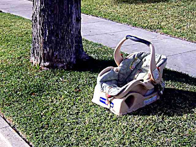 4 Baby Car Seat abandoned on a street in Pasadena CA