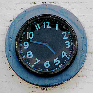 Old gas station clock Pasadena CA (c)David Ocker