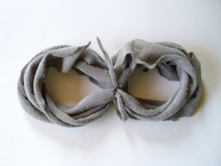 recycling ideas: recycled tee scarf
