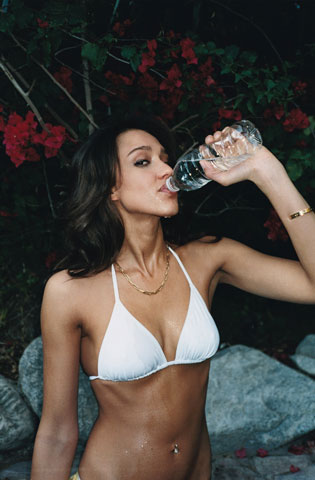 Jessica Alba is hot - drinking water