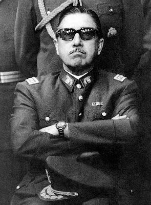 http://3.bp.blogspot.com/_tmugr-2NouI/RwXJzbzWeAI/AAAAAAAAACM/mpihnrLcdIM/s400/Pinochet.jpg