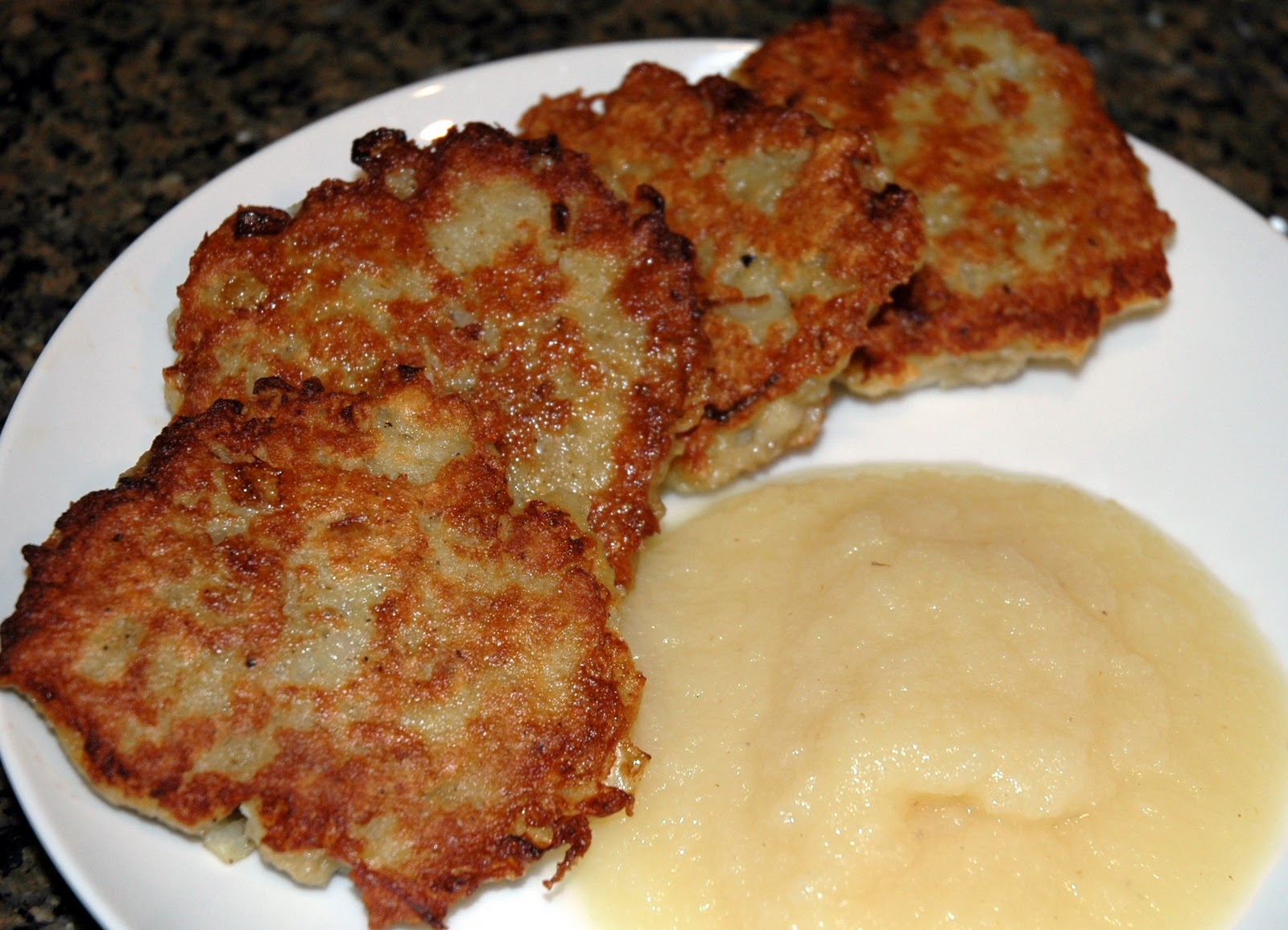 Smart Cooking: Potato Pancakes ~Applesauce and ...a mystery